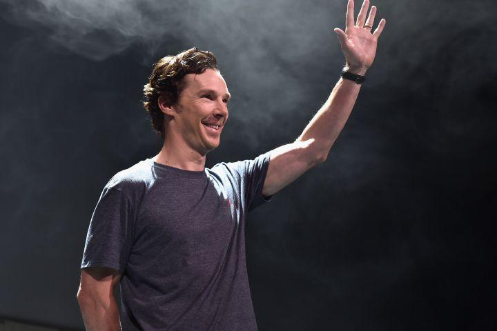"Benedict Cumberbatch Singing Pink Floyd's ""Comfortably Numb"""