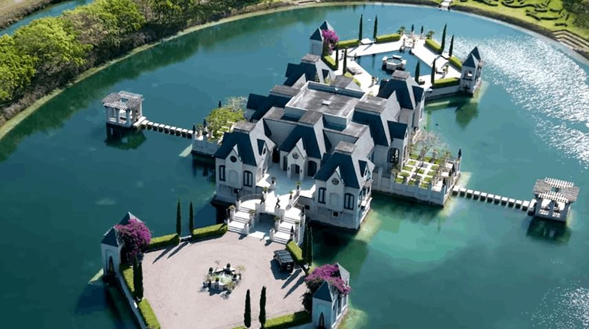 10 Most Expensive And Insanely Built Celebrity Homes