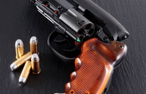 Tomenosuke 2049 BLADE RUNNER Blaster Prop Replica