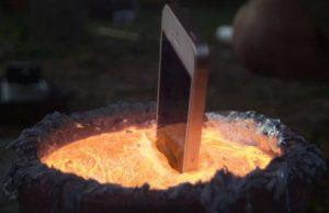 iPhone Drops Into Molten Aluminium