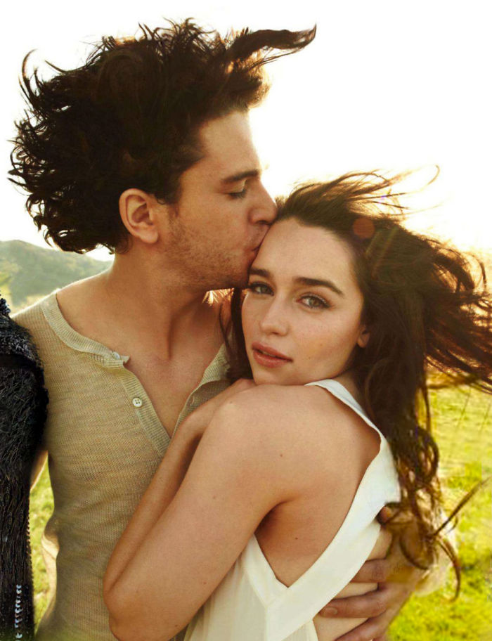 Emilia Clarke And Kit Harington Kissing