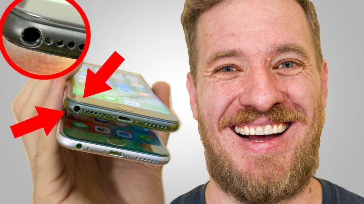 Man Successfully Installs a Functioning Headphone Jack In His iPhone 7