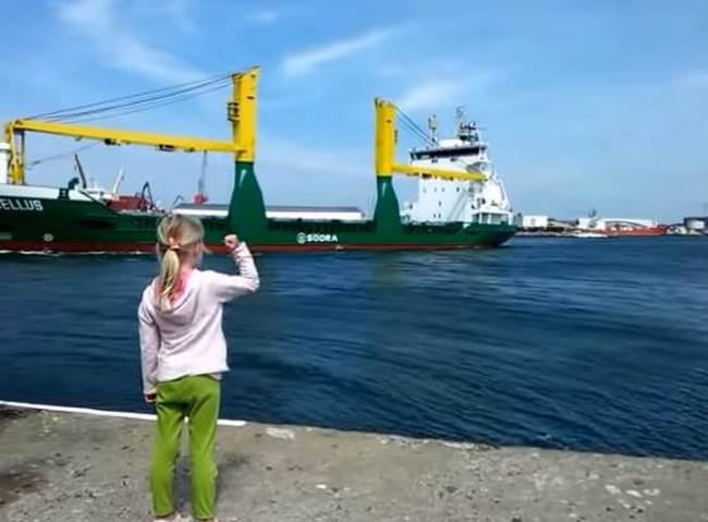 Cute Little Girl Made a Large Ship to Blow Its Horn