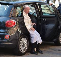 Pope Francis – Fiat 500