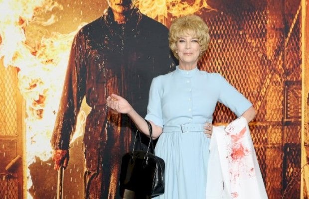Jamie Lee Curtis Paid Tribute To Her Mother's 'Psycho' Look