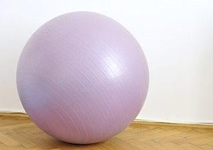 fitball munkahelyi ergonómia