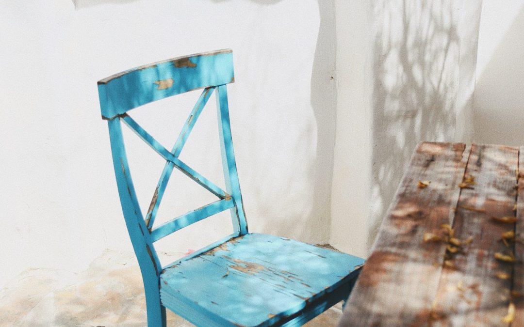 Krzesło – jak wybrać najmniejsze zło?