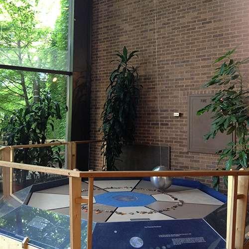 Foucaults pendulum at Cleveland Natural History Museum