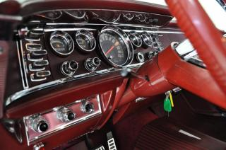 Delicious and stylish interior of this Chrysler New Yorker 1963