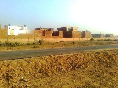 Fatima Jinnah Town 100 feet Road Near Citi Garden