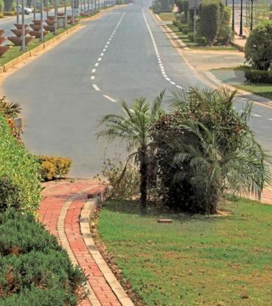 Eden Place Lahore - Main Road