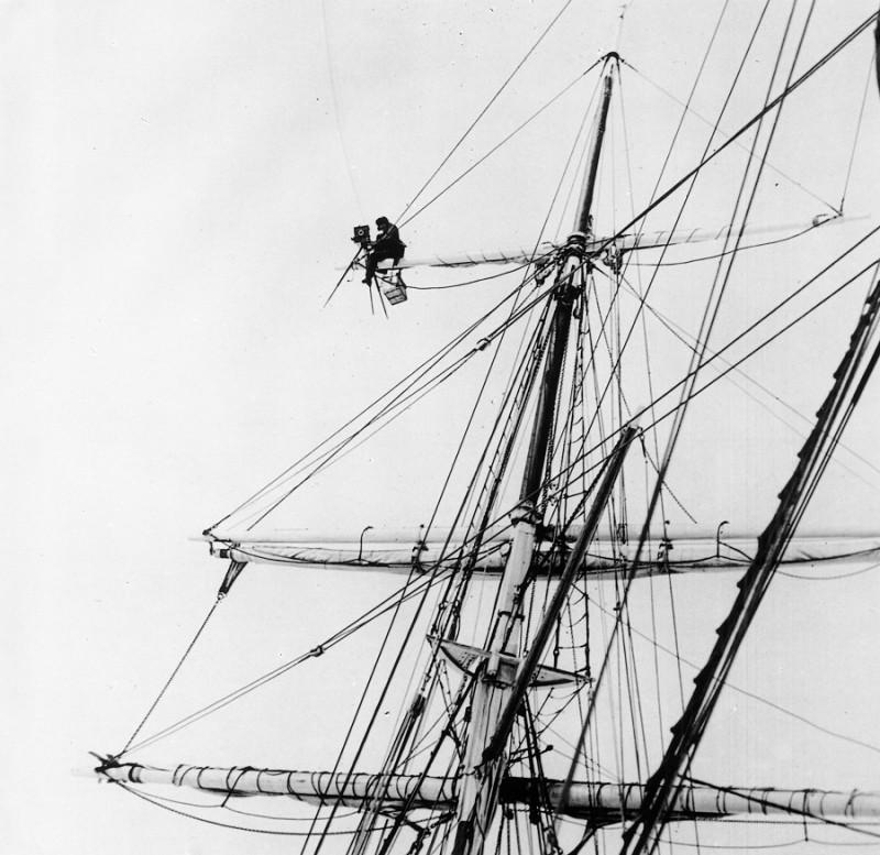 Frank Hurley sur l'Endurance dans l'Antarctique en 1915