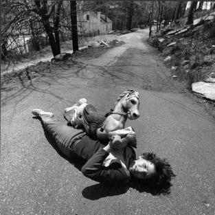 w_childrens-surreal-nightmare-photos-dream-collector-arthur-tress-14