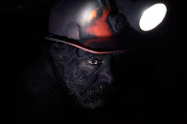 Un mineur qui fait une pause dans une mine de charbon à Sabinas, Mexique