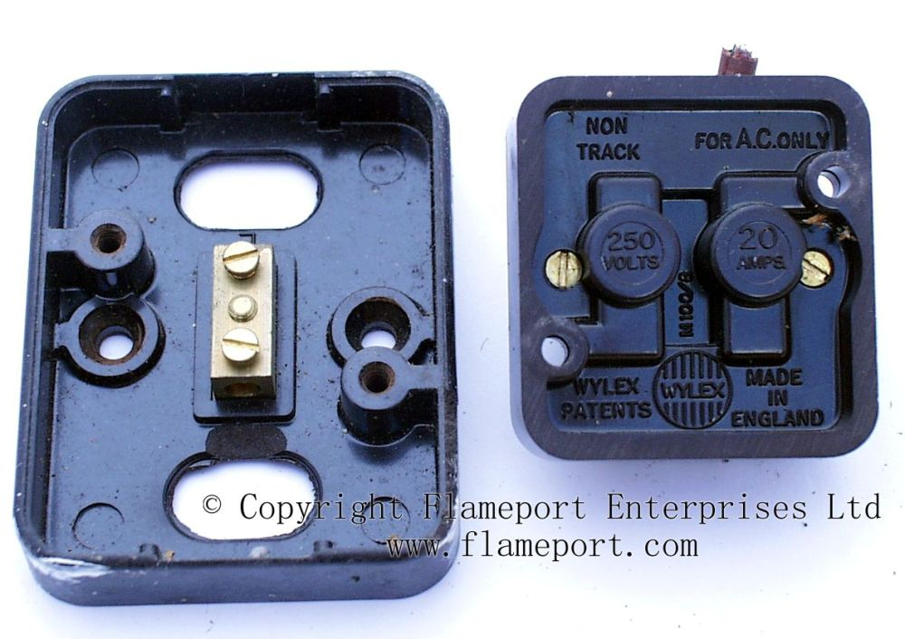 medium resolution of dismantled wylex double pole water heater switch