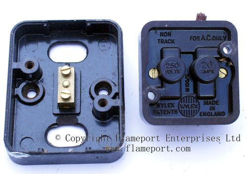small resolution of dismantled wylex double pole water heater switch