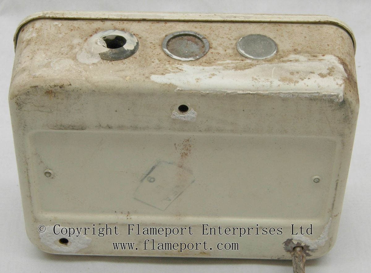 hight resolution of old black fuse box