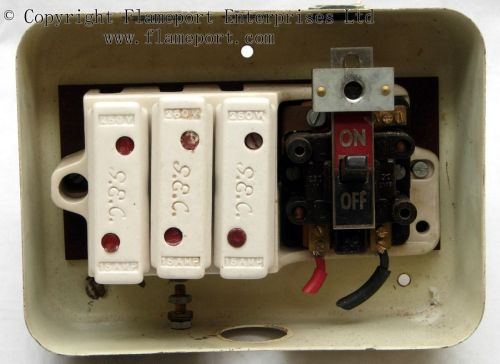 small resolution of general switch fuse box wiring diagram todays rh 8 14 9 1813weddingbarn com general electric fuse box square d fuse box parts