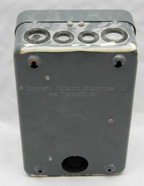 small resolution of mem 4 way enclosed grey metal fuse box metal fuse box uk mem 4 way fusebox