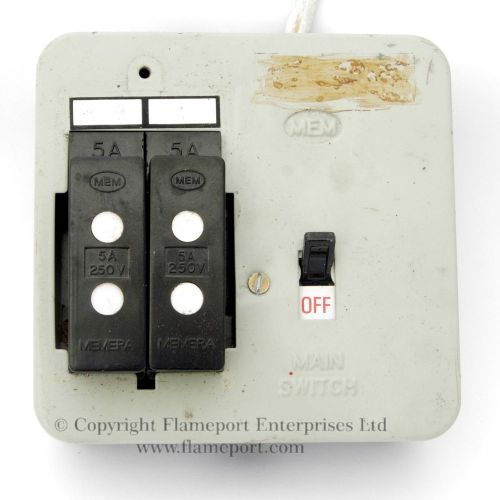 small resolution of mem 2 way metal fuse box