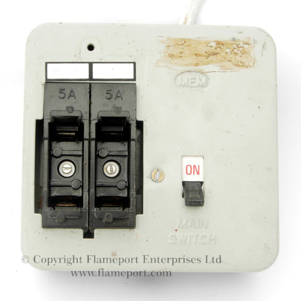 hight resolution of mem 2 way metal fuse box with fuses removed
