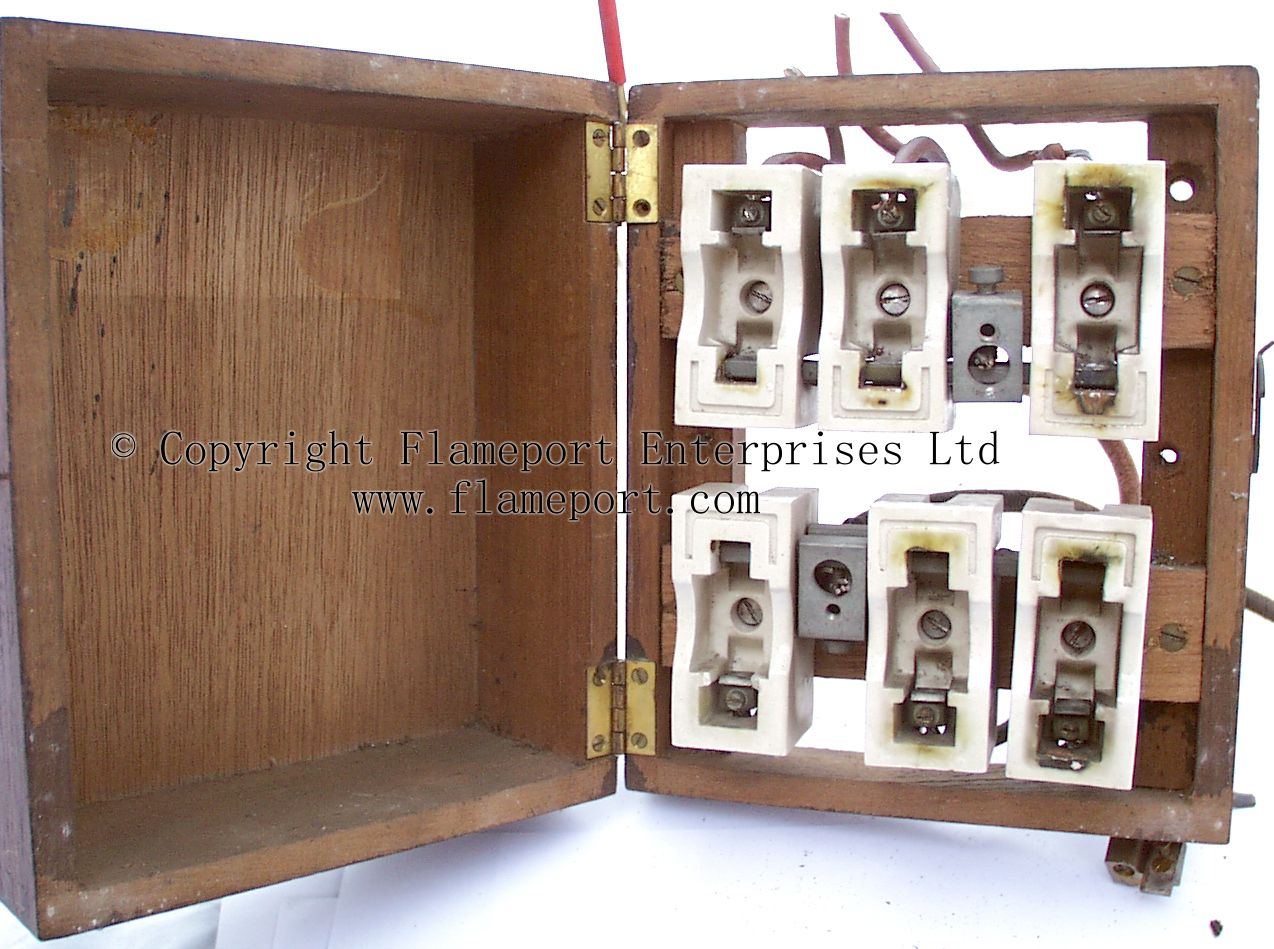 Mem Wooden Cased Fuse Box With Ceramic Rewireable Fuses