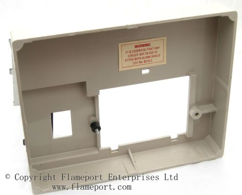 small resolution of front moulded plastic memera 3 fusebox cover