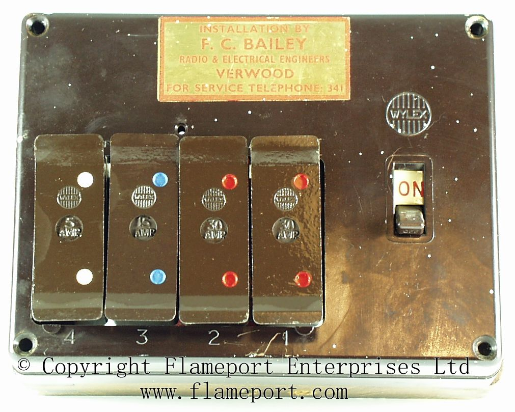 30a Fuse Box Wylex Standard 4 Way Fusebox With Brown Wooden Frame