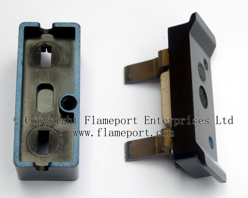WRG-9424] Old Style Fuse Box Parts on