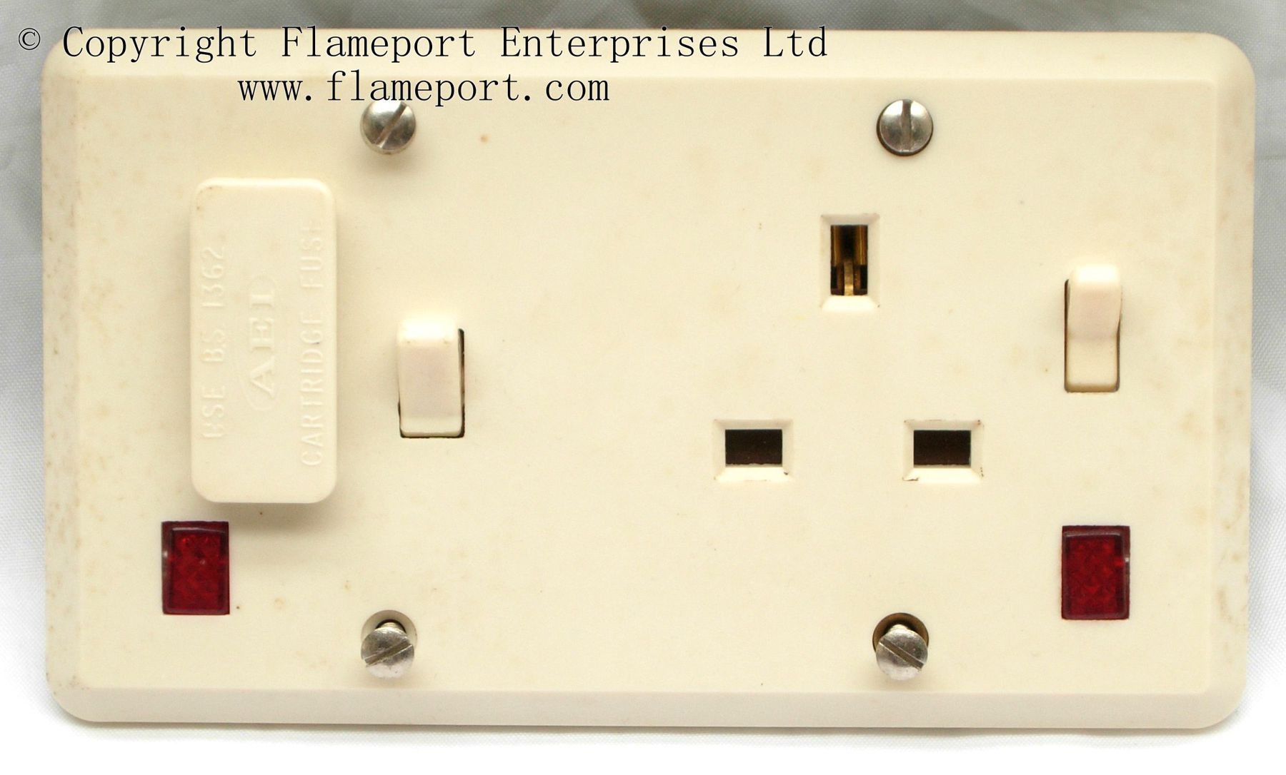 hight resolution of aei fused spur and single socket outlet