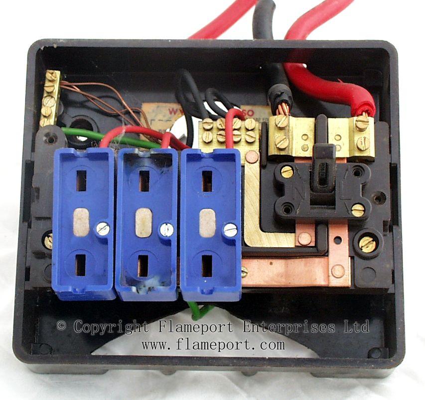 Wylex Standard Brown Plastic Fuseboxes