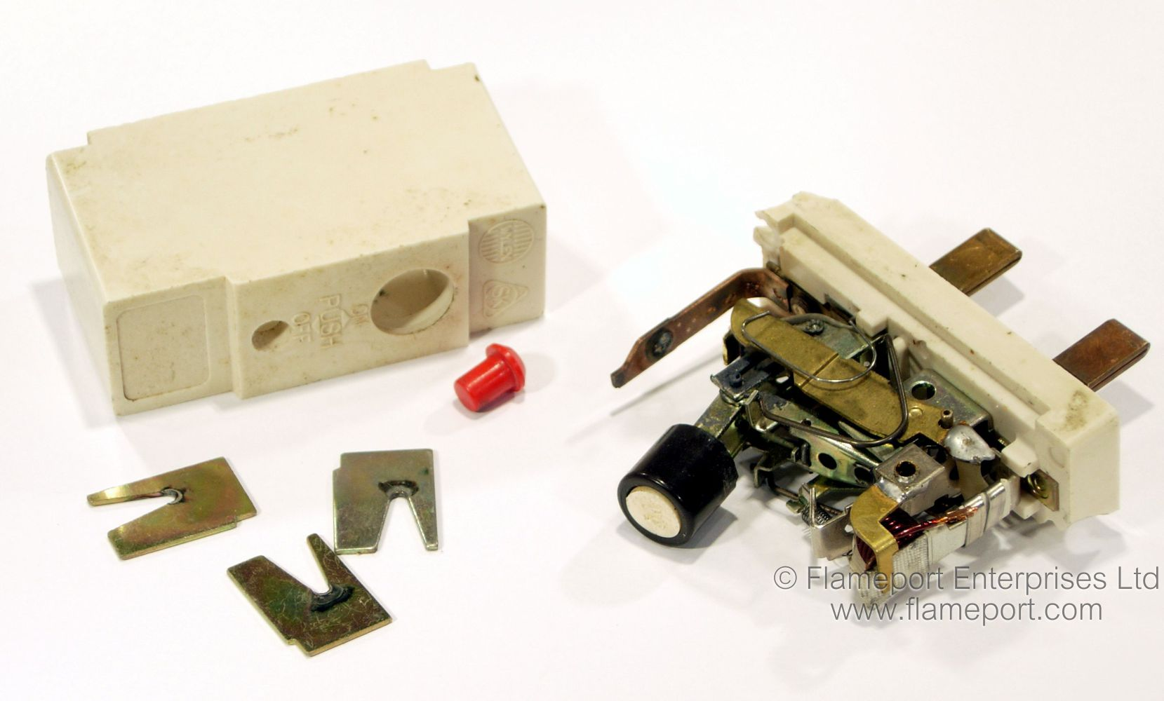 hight resolution of components of a wylex branded stotz kontakt miniature circuit breaker