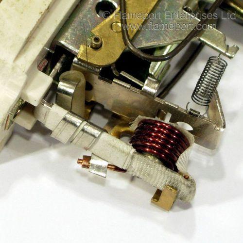 small resolution of inside a wylex sk mcb showing the trip coil and bimetallic strip