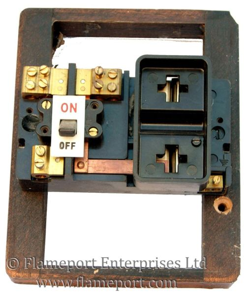 small resolution of wylex 60a switchfuse with fuse removed