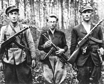 Partisans with PPsh SMGs