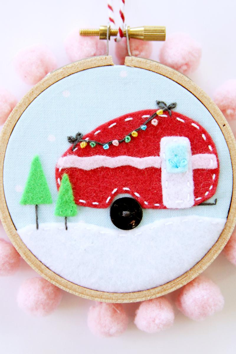 felt-camper-christmas-ornament