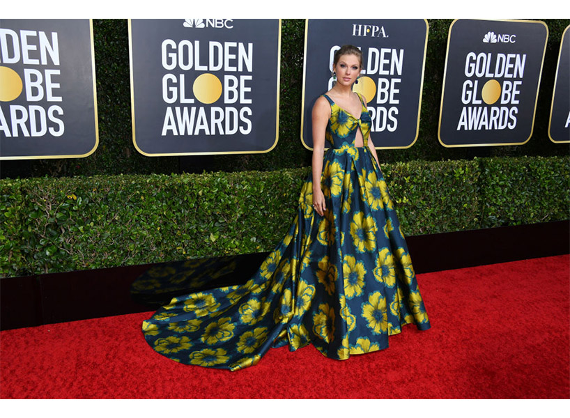 Taylor Swift wears a floral gown on the Golden Globes 2020 red carpet