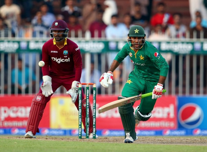 SHARJAH, UNITED ARAB EMIRATES - OCTOBER 02: Sarfraz Ahmed of Pakistan bats during the second One Day International match between Pakistan and West Indies at Sharjah Cricket Stadium on October 2, 2016 in Sharjah, United Arab Emirates. (Photo by Francois Nel/Getty Images)