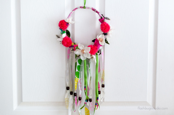 Make an easy DIY spring wreath in 6 easy steps.