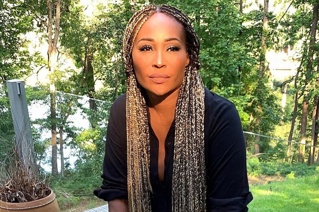 Cynthia Bailey Spreads Weekend Vibes For Her Fans