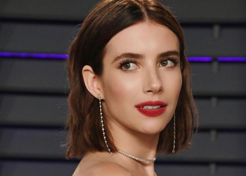Emma Roberts Is Pregnant And Stunning In This Dress