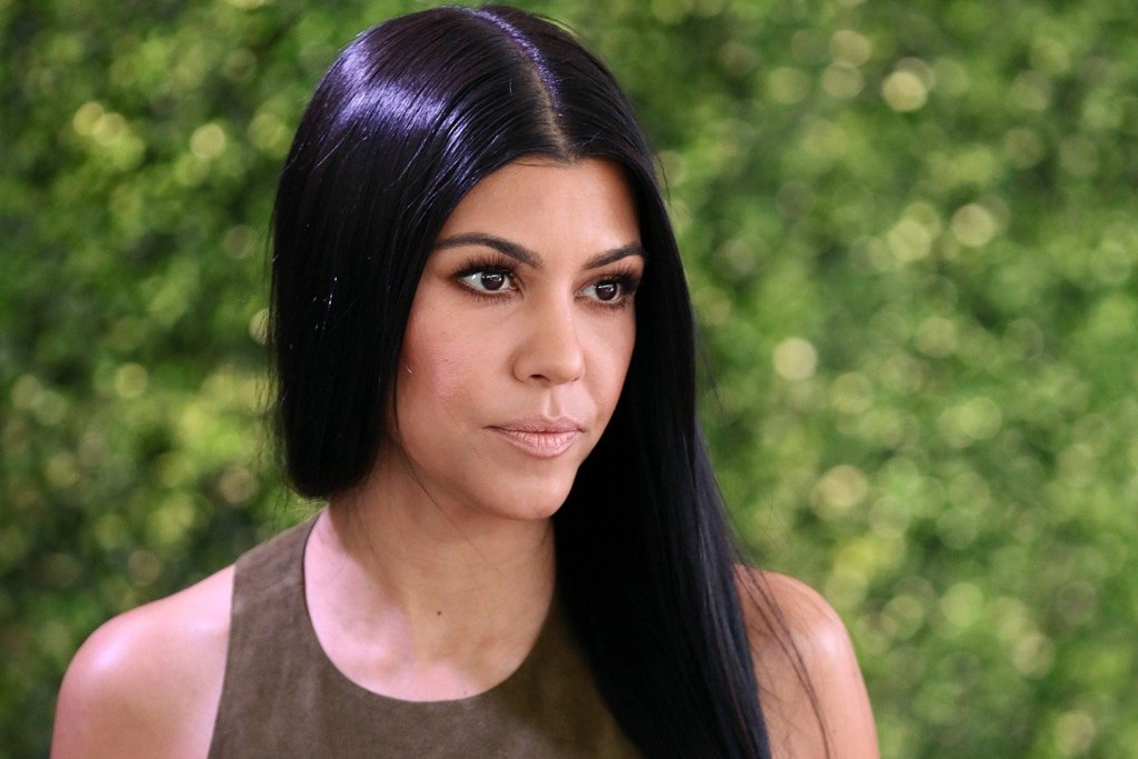 KUWTK: Kourtney Kardashian Gets Criticism For Referring To Herself As 'Moana' In New Bathing Suit Pics – 'You're White!'