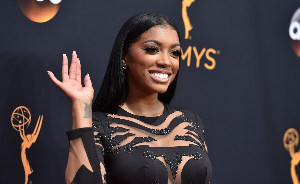 Porsha Williams Reminds Fans That RHOA Debuts This Weekend