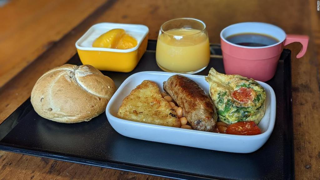 The man recreating airplane meals to get through lockdown