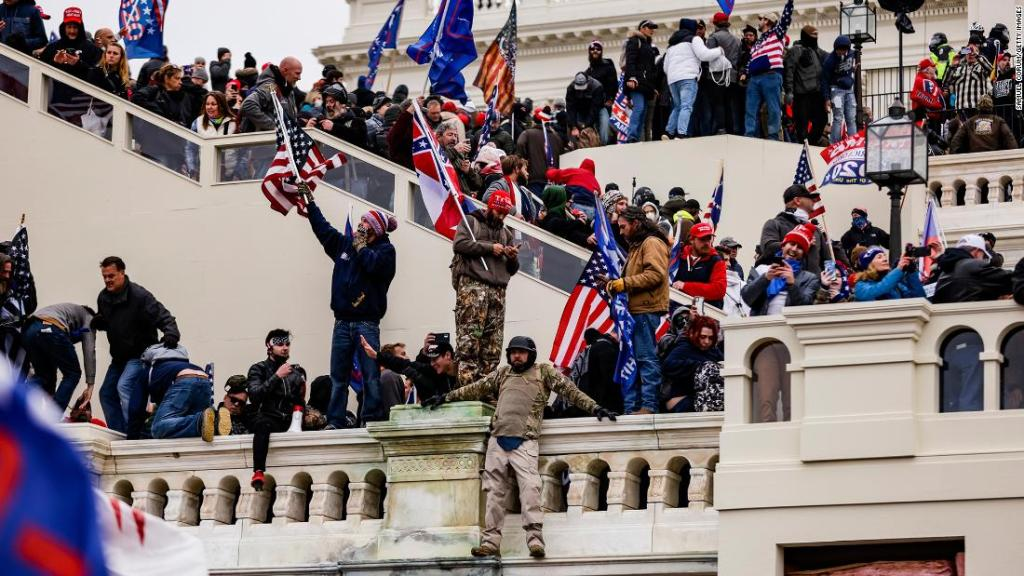 US Capitol Police confirm death of officer after pro-Trump riot