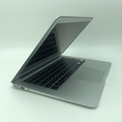 "IMG 0901 1 scaled Apple MacBook Air 13.3"" intel® Dual-Core i5 1.3GHz Mid 2013 (Ricondizionato)"