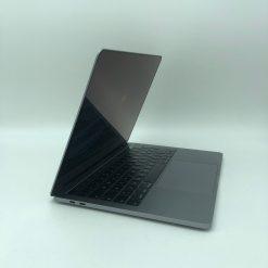"""IMG 1300 scaled Apple MacBook Pro 13.3"""" TouchBar Grigio Siderale intel® Quad-Core i5 1.4GHz 2019 (Ricondizionato)"""