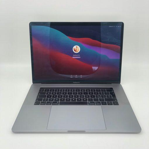 """IMG 1900 scaled Apple MacBook Pro 15.4"""" TouchBar Grigio Siderale intel® 6 Core i9 2.9GHz 2018 (Ricondizionato)"""