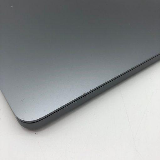 """IMG 1983 scaled Apple MacBook Pro 13.3"""" Retina TouchBar Grigio Siderale intel® Quad-Core i5 2.3GHz Mid 2018 (Ricondizionato)"""