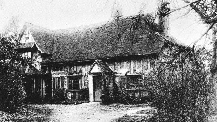 black and white photo of Valley Farm in 1924 in serious disrepair